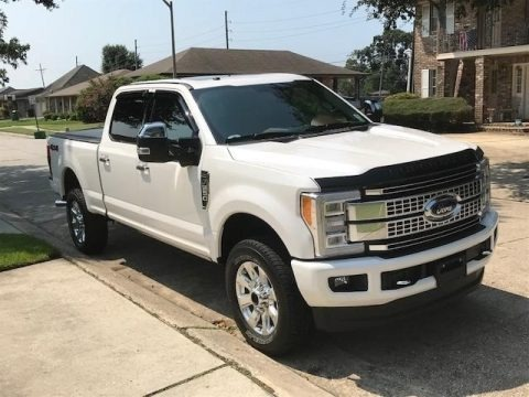 White Platinum Metallic 2018 Ford F250 Super Duty Platinum Crew Cab 4x4