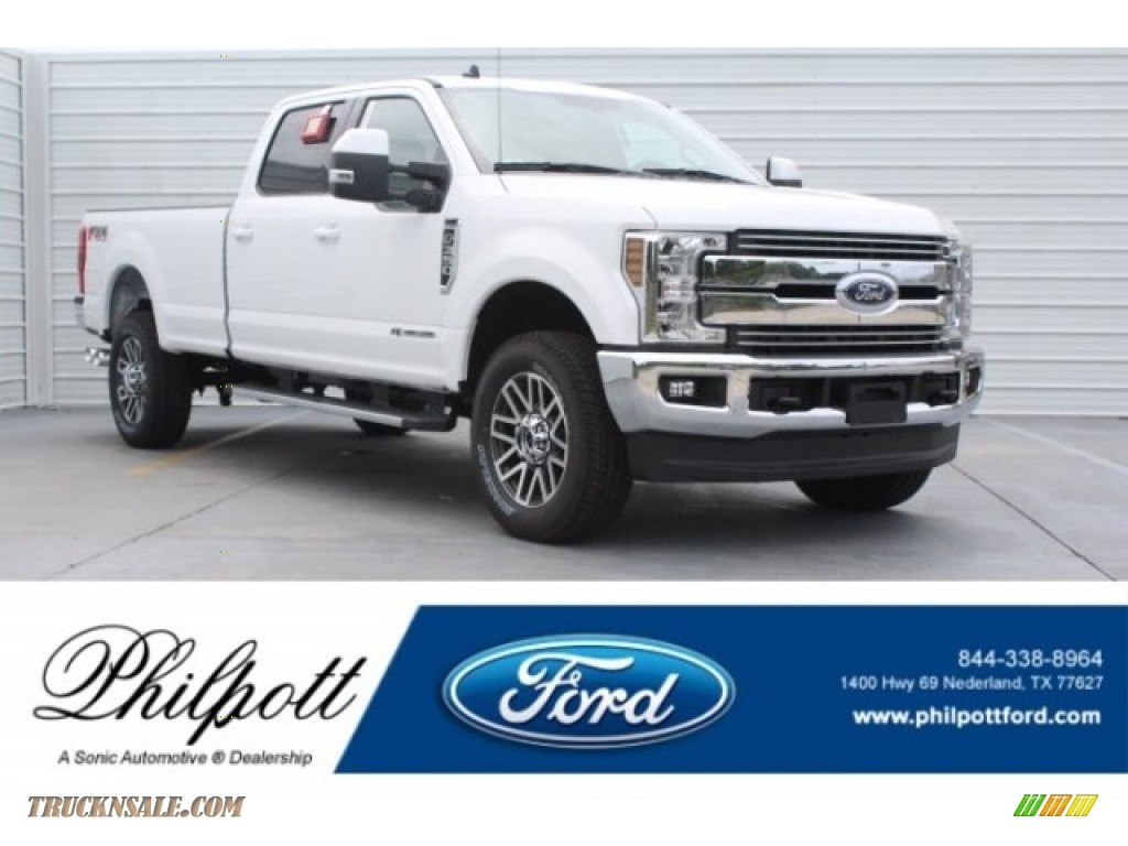 2019 F350 Super Duty Lariat Crew Cab 4x4 - Oxford White / Black photo #1