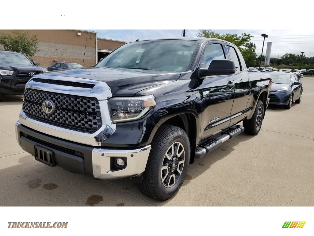 2019 Tundra TRD Off Road Double Cab 4x4 - Midnight Black Metallic / Graphite photo #1