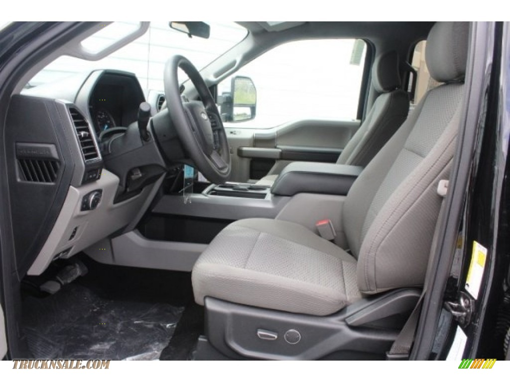 2019 F250 Super Duty XLT Crew Cab 4x4 - Agate Black / Earth Gray photo #14