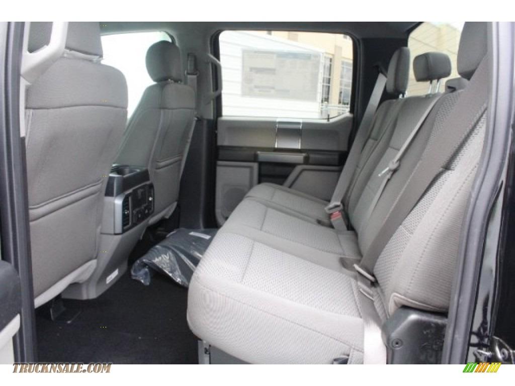 2019 F250 Super Duty XLT Crew Cab 4x4 - Agate Black / Earth Gray photo #23