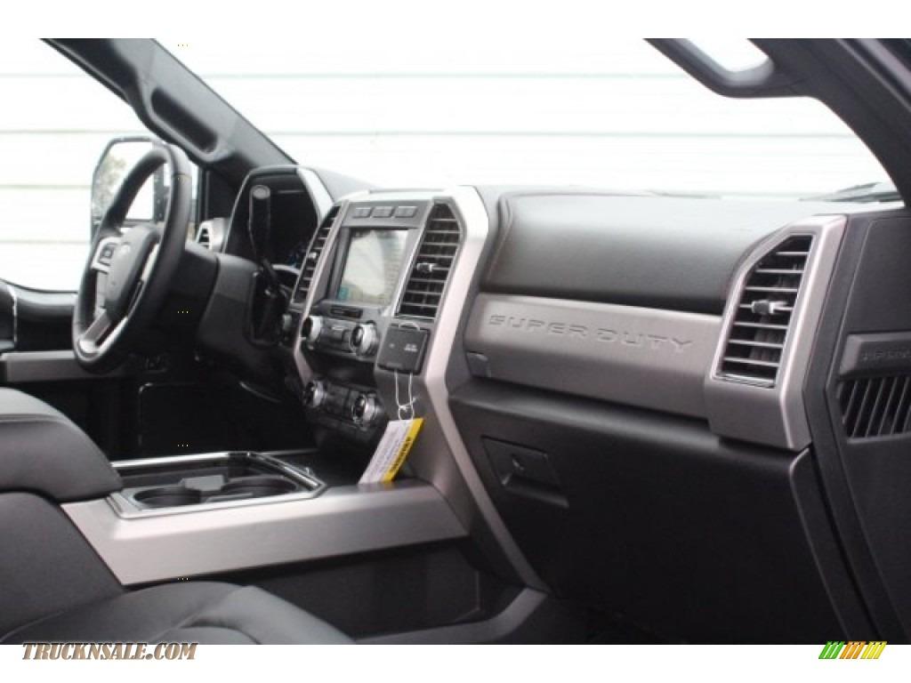 2019 F250 Super Duty Platinum Crew Cab 4x4 - Agate Black / Black photo #32