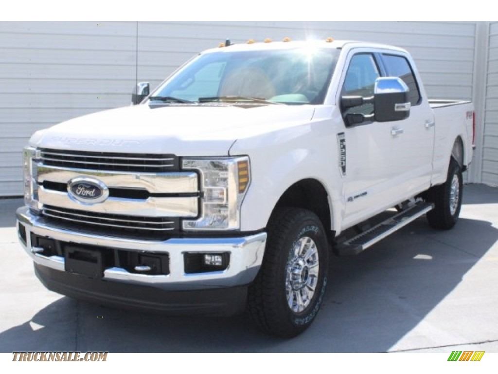 2019 F250 Super Duty Lariat Crew Cab 4x4 - Oxford White / Black photo #3