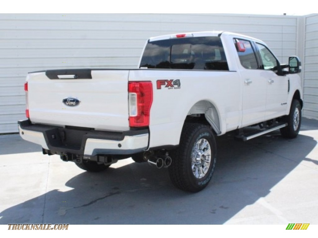 2019 F250 Super Duty Lariat Crew Cab 4x4 - Oxford White / Black photo #9