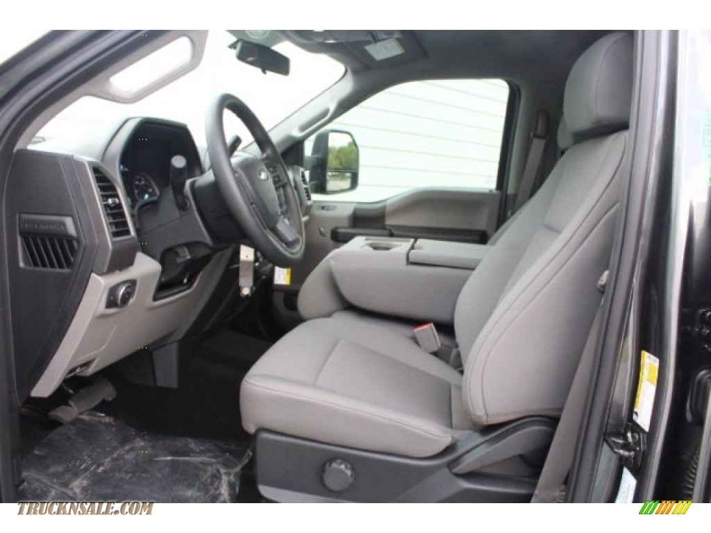 2019 F250 Super Duty XLT Crew Cab 4x4 - Magnetic / Earth Gray photo #14