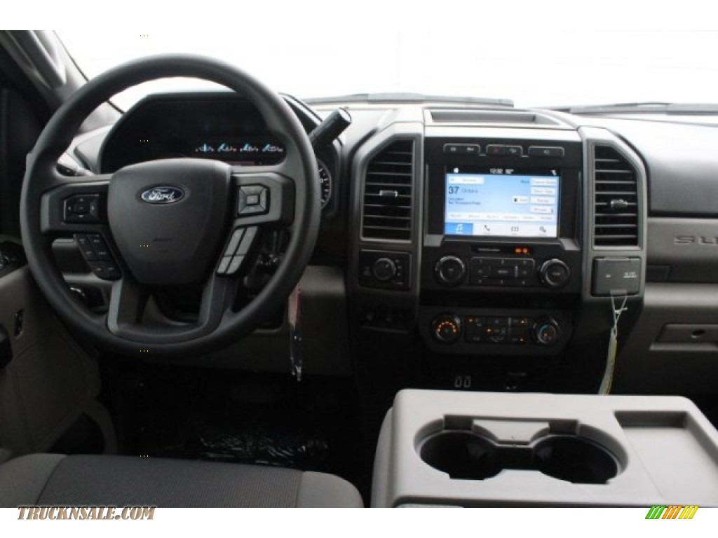 2019 F250 Super Duty XLT Crew Cab 4x4 - Magnetic / Earth Gray photo #23