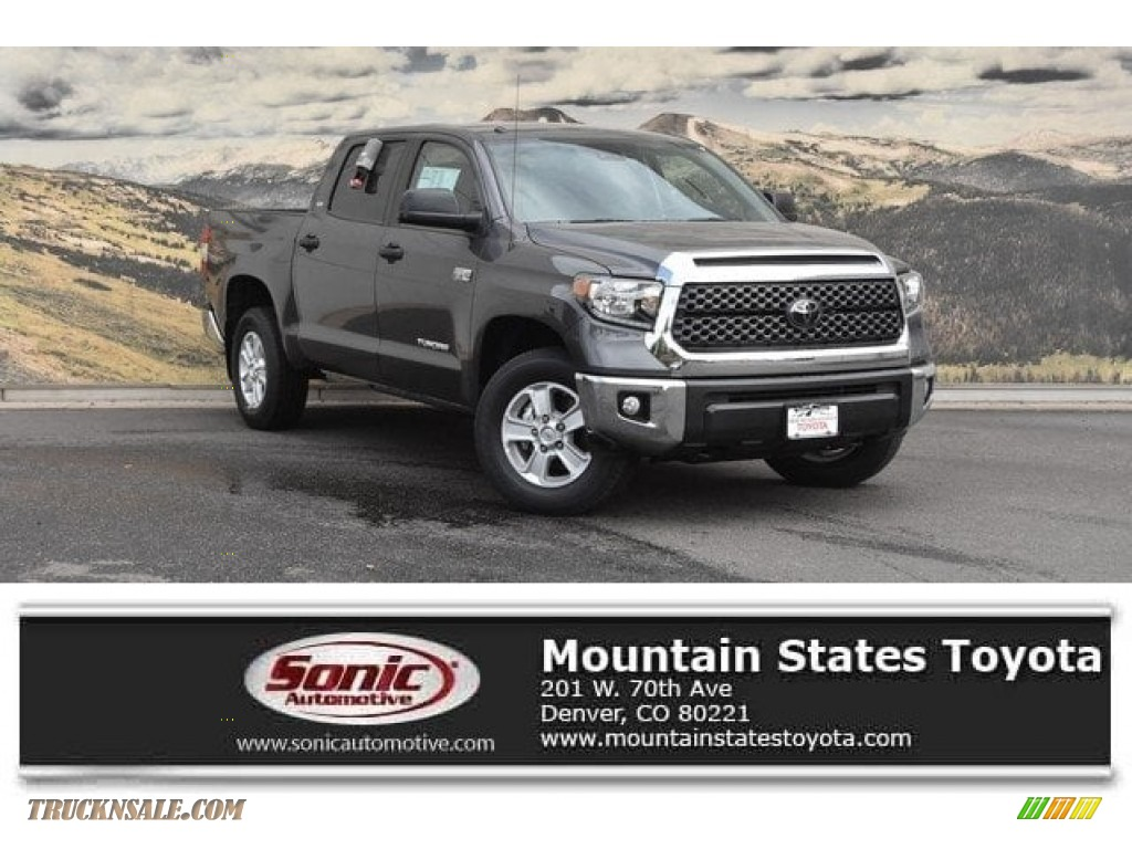 2018 Tundra SR5 CrewMax 4x4 - Magnetic Gray Metallic / Graphite photo #1