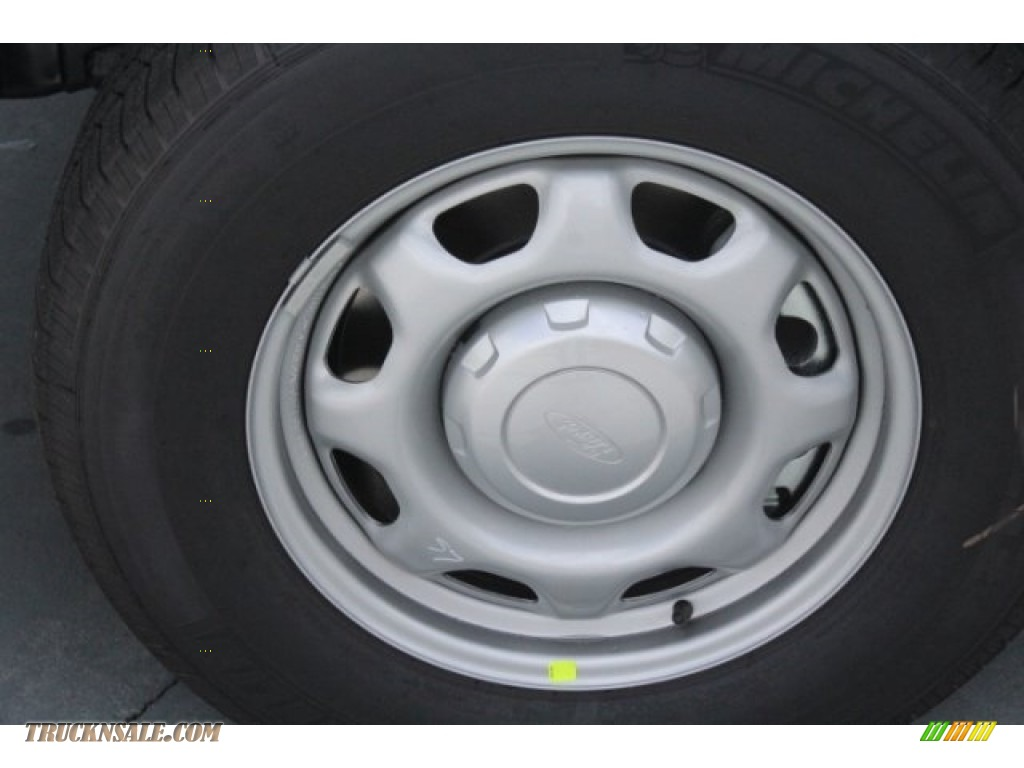 2018 F150 XL Regular Cab - Oxford White / Earth Gray photo #5