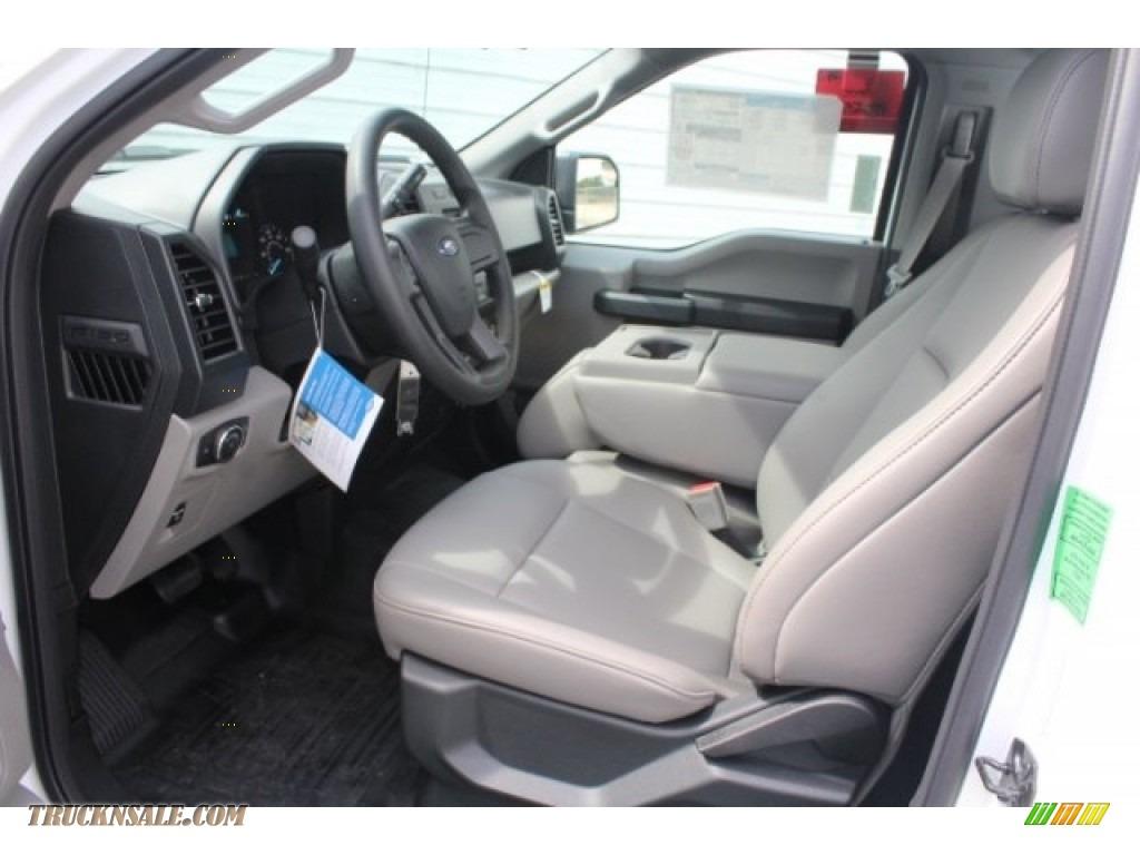 2018 F150 XL Regular Cab - Oxford White / Earth Gray photo #15