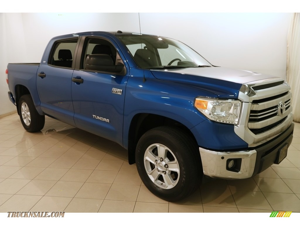 2016 Tundra SR5 CrewMax 4x4 - Blazing Blue Pearl / Black photo #1