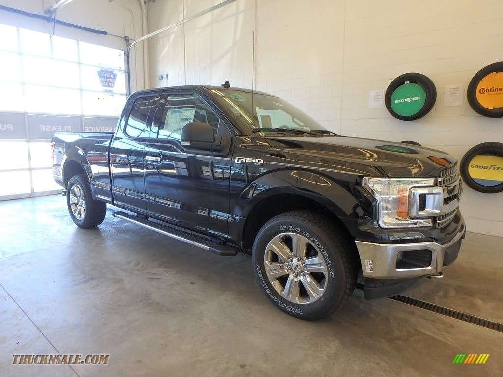 2018 F150 XLT SuperCab 4x4 - Shadow Black / Earth Gray photo #1