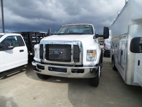 Oxford White 2019 Ford F750 Super Duty Regular Cab Chassis