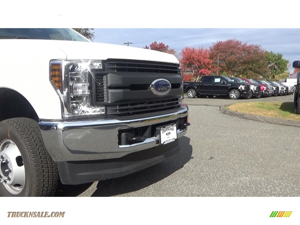 2019 F350 Super Duty XL Regular Cab 4x4 Dump Truck - Oxford White / Earth Gray photo #24