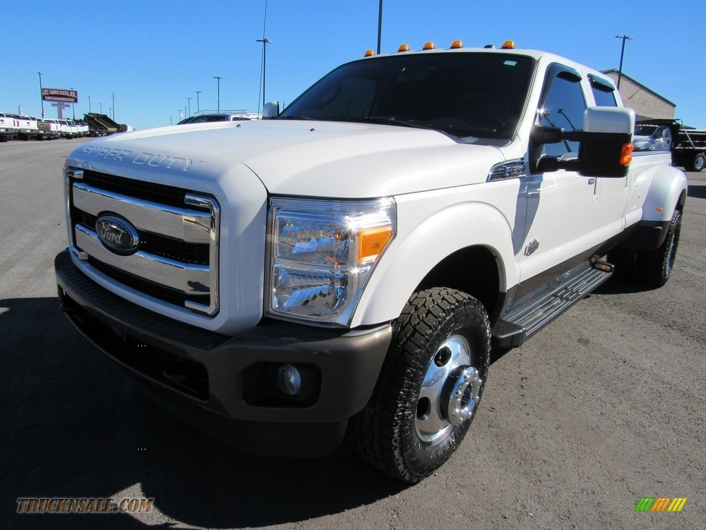 2016 F350 Super Duty Lariat Crew Cab 4x4 DRW - Oxford White / Platinum Pecan photo #1