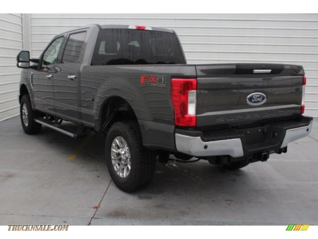 2019 F250 Super Duty XLT Crew Cab 4x4 - Magnetic / Earth Gray photo #7