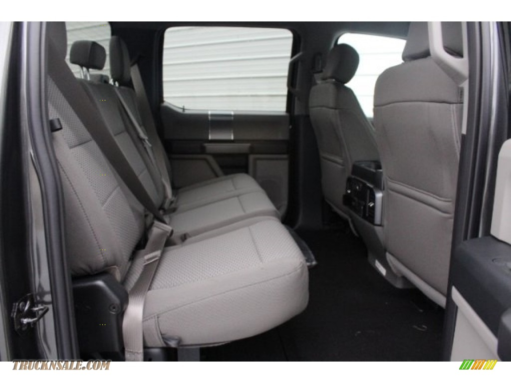 2019 F250 Super Duty XLT Crew Cab 4x4 - Magnetic / Earth Gray photo #28