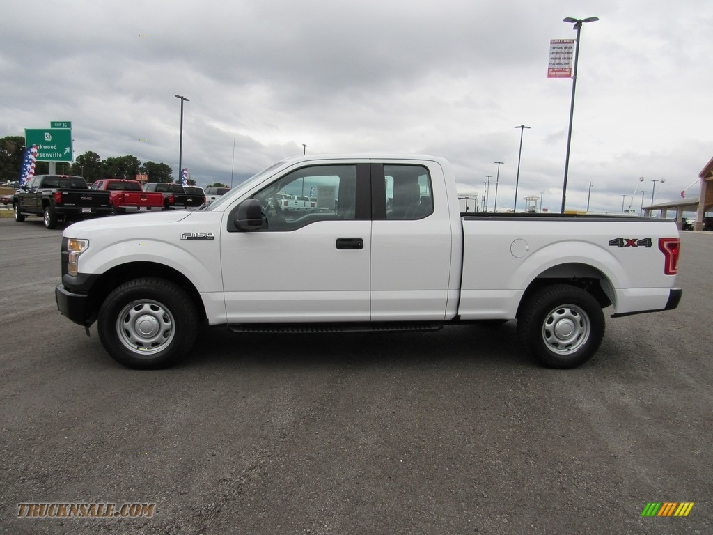 2016 F150 XL SuperCab 4x4 - Oxford White / Medium Earth Gray photo #2
