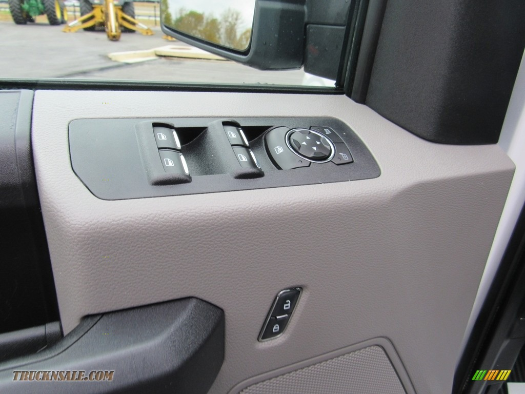 2016 F150 XL SuperCab 4x4 - Oxford White / Medium Earth Gray photo #22