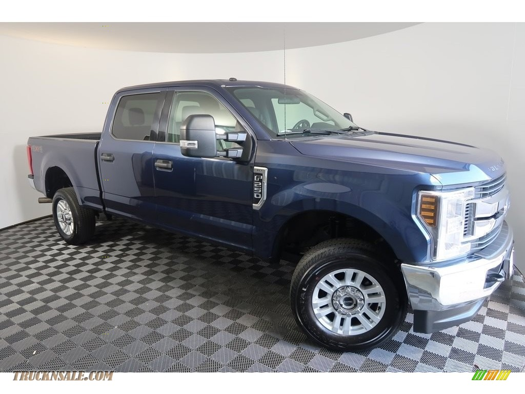 2018 F250 Super Duty XLT Crew Cab 4x4 - Blue Jeans / Earth Gray photo #2