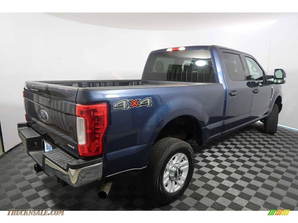 2018 F250 Super Duty XLT Crew Cab 4x4 - Blue Jeans / Earth Gray photo #10