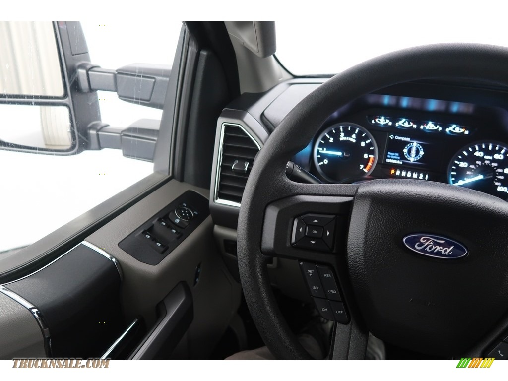 2018 F250 Super Duty XLT Crew Cab 4x4 - Blue Jeans / Earth Gray photo #17