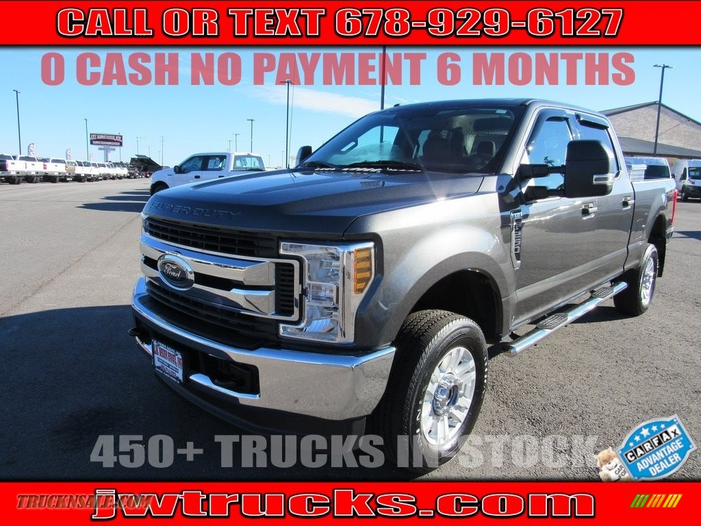 2018 F250 Super Duty XLT Crew Cab 4x4 - Magnetic / Earth Gray photo #1