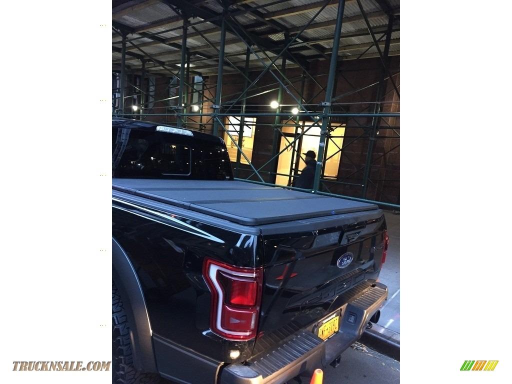 2018 F150 SVT Raptor SuperCab 4x4 - Shadow Black / Black photo #13