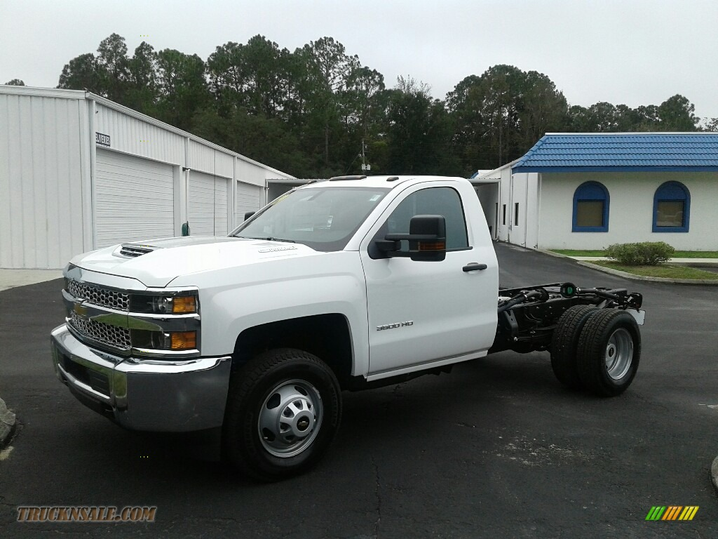 2019 Silverado 3500HD Work Truck Regular Cab 4x4 Chassis - Summit White / Dark Ash/Jet Black photo #1