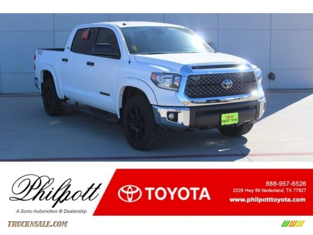 2019 Tundra TSS Off Road CrewMax - Super White / Black photo #1