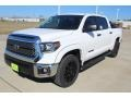 Toyota Tundra TSS Off Road CrewMax Super White photo #4