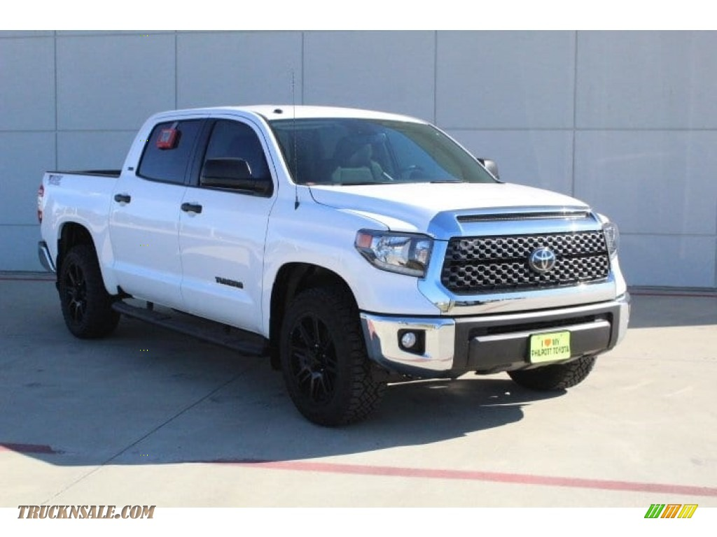 2019 Tundra TSS Off Road CrewMax - Super White / Graphite photo #2
