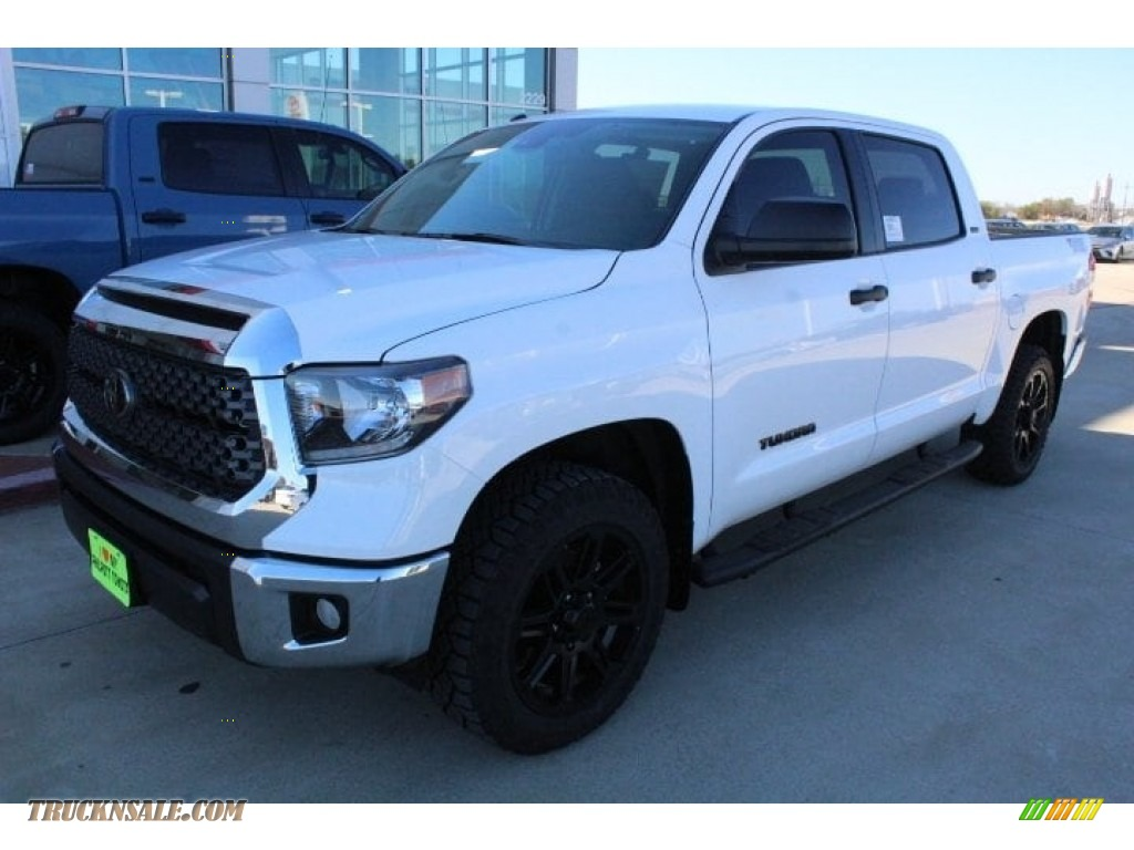 2019 Tundra TSS Off Road CrewMax - Super White / Graphite photo #4