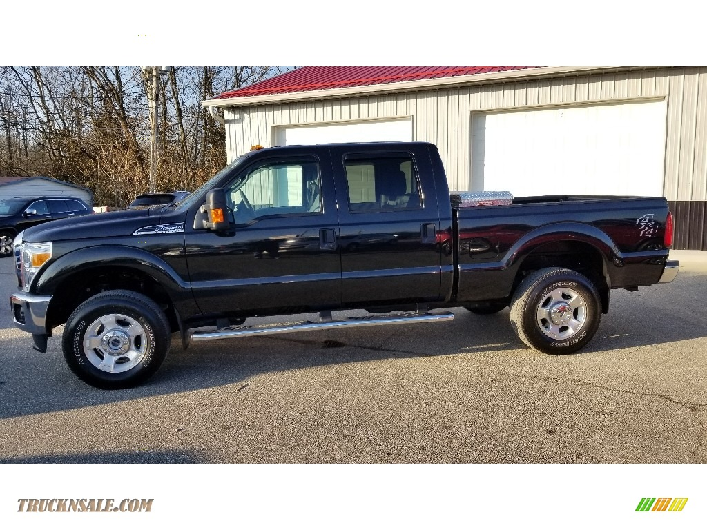 2015 F250 Super Duty XLT Crew Cab 4x4 - Tuxedo Black / Steel photo #1
