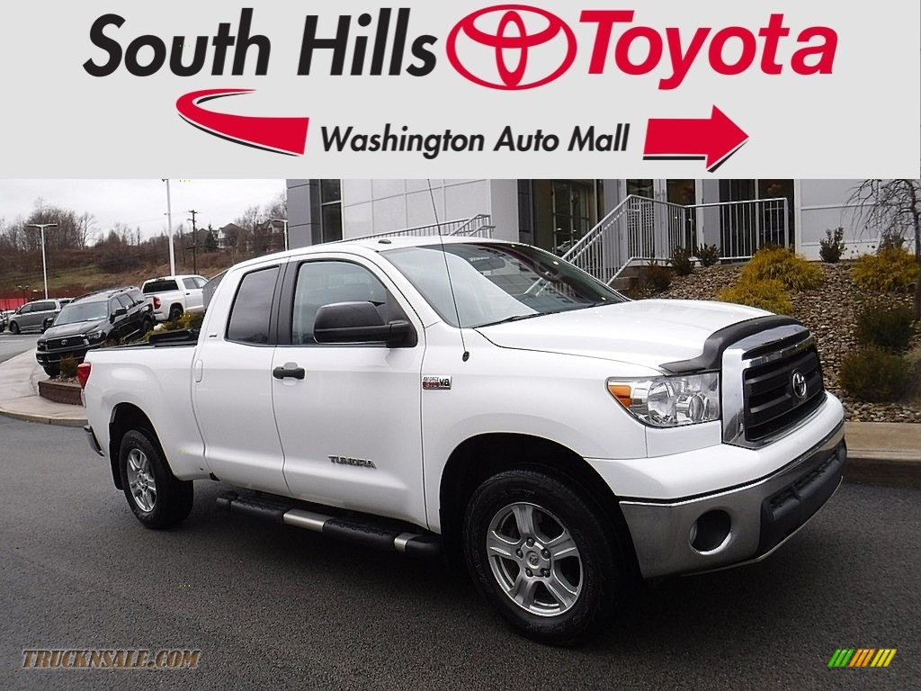 2011 Tundra SR5 Double Cab 4x4 - Super White / Graphite Gray photo #1