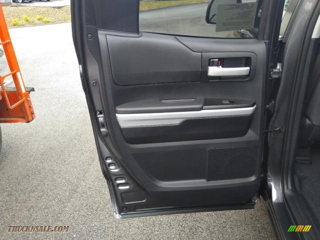 2019 Tundra SR5 Double Cab 4x4 - Magnetic Gray Metallic / Graphite photo #14