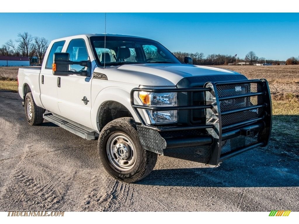 Oxford White / Steel Ford F250 Super Duty XL Crew Cab 4x4