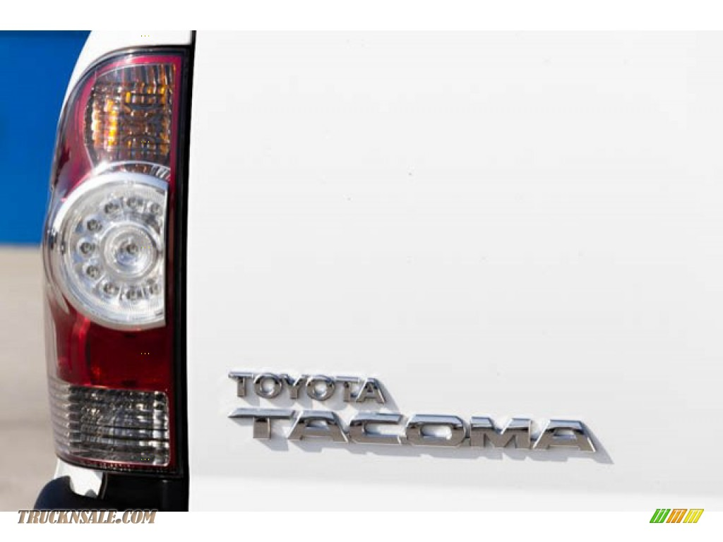 2011 Tacoma Regular Cab - Super White / Graphite Gray photo #10
