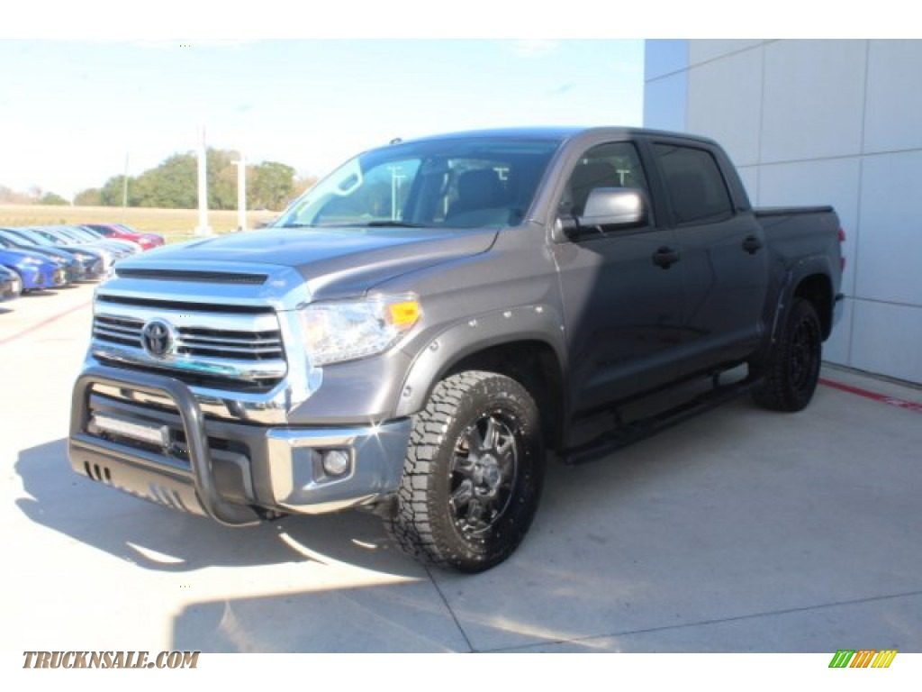 2017 Tundra SR5 CrewMax - Silver Sky Metallic / Black photo #4