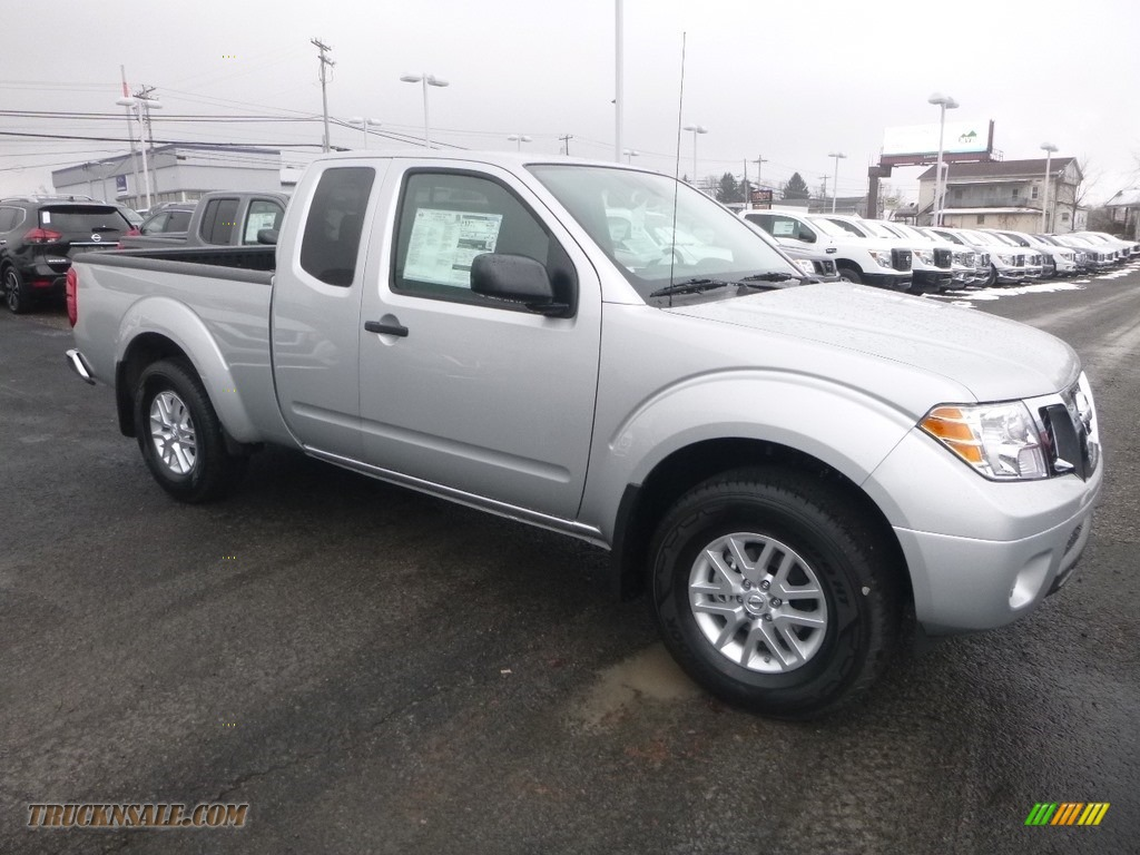 Brilliant Silver / Graphite/Steel Nissan Frontier SV King Cab 4x4