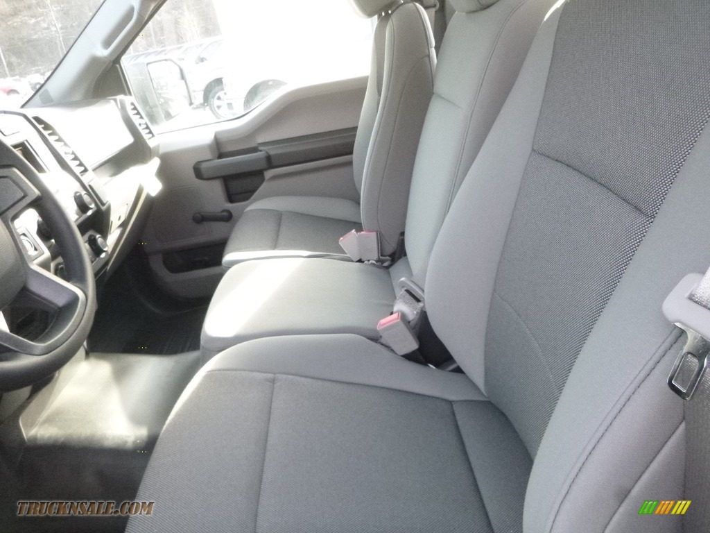 2019 F150 XL Regular Cab 4x4 - Oxford White / Earth Gray photo #10