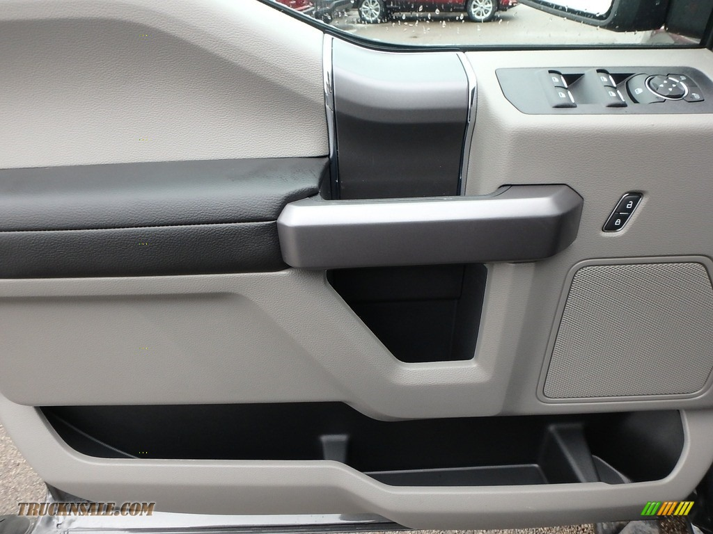 2019 F150 XLT SuperCab 4x4 - Magnetic / Earth Gray photo #13