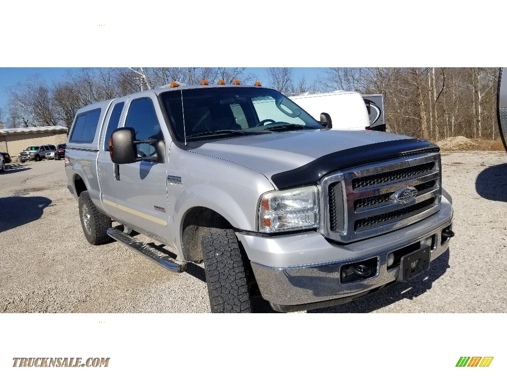 2005 F250 Super Duty XLT SuperCab 4x4 - Silver Metallic / Medium Flint photo #1