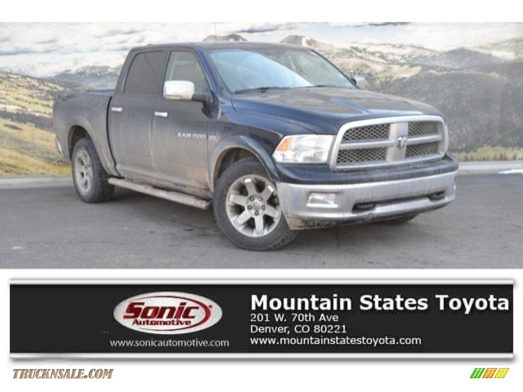 Black / Light Pebble Beige/Bark Brown Dodge Ram 1500 Laramie Crew Cab 4x4