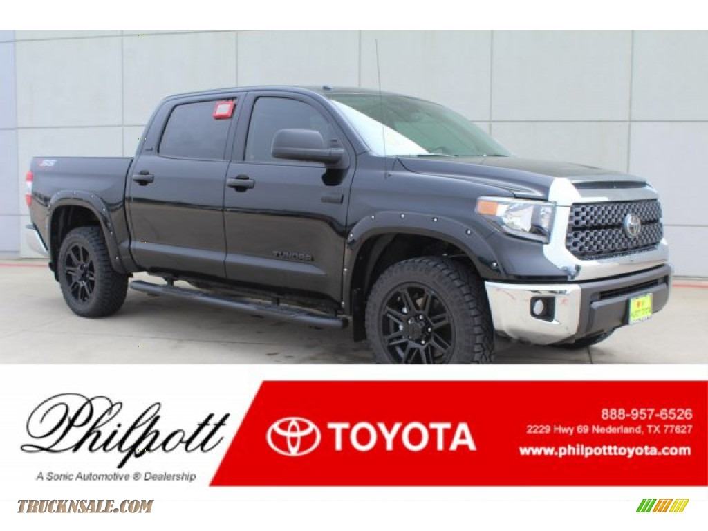 2019 Tundra SR5 CrewMax 4x4 - Midnight Black Metallic / Graphite photo #1