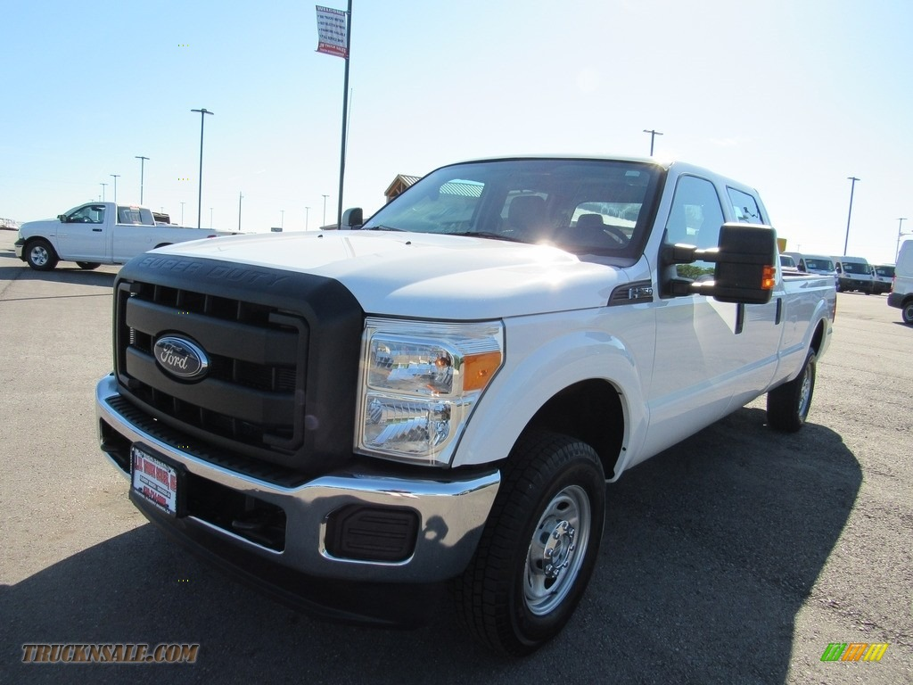 2015 F250 Super Duty XL Crew Cab 4x4 - Oxford White / Steel photo #1