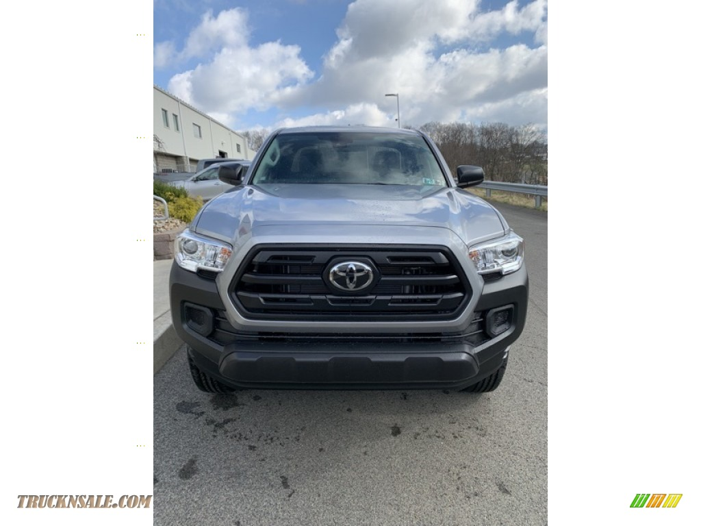 2019 Tacoma SR Access Cab 4x4 - Silver Sky Metallic / Cement Gray photo #2
