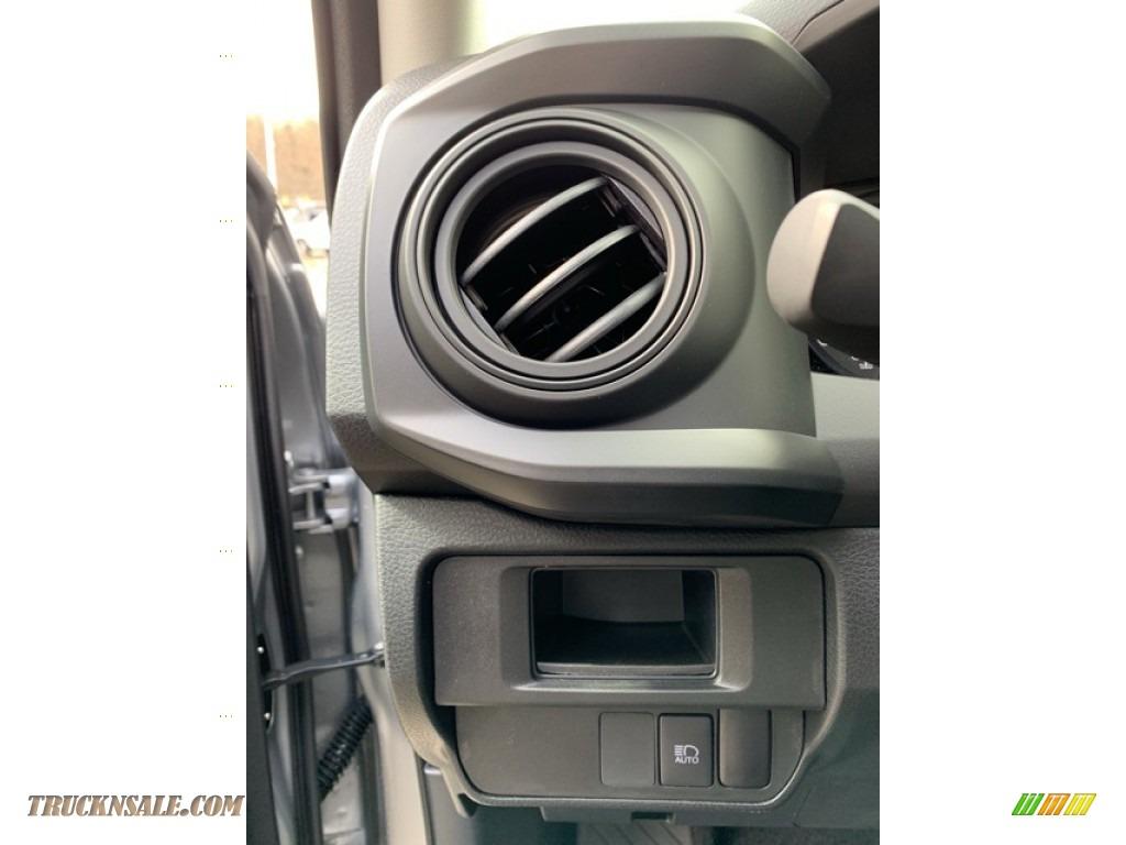 2019 Tacoma SR Access Cab 4x4 - Silver Sky Metallic / Cement Gray photo #10
