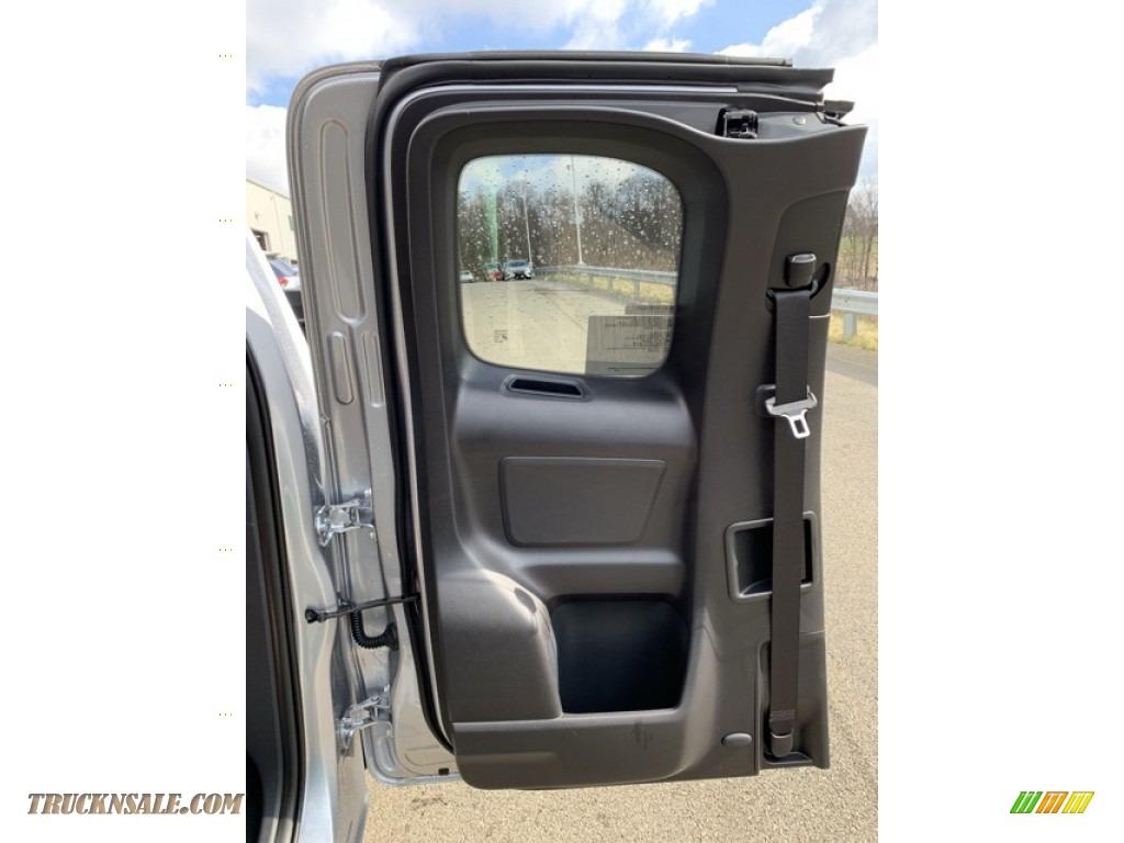 2019 Tacoma SR Access Cab 4x4 - Silver Sky Metallic / Cement Gray photo #14