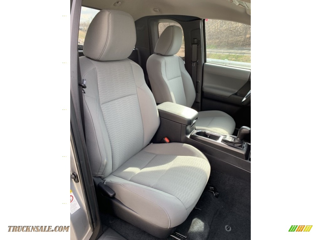 2019 Tacoma SR Access Cab 4x4 - Silver Sky Metallic / Cement Gray photo #22