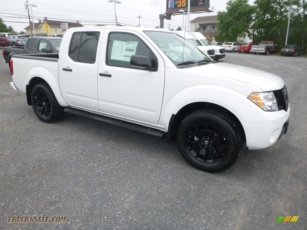 2019 Frontier SV Crew Cab 4x4 - Glacier White / Steel photo #1